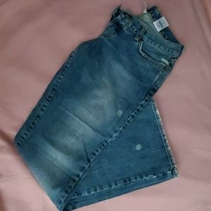 🍀 LUCKY BRAND distressed jeans